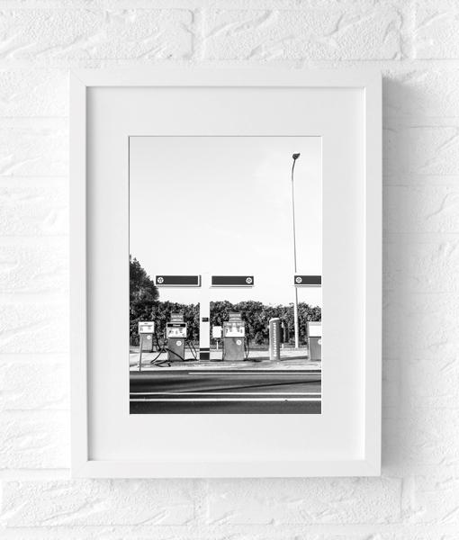 tankstation poster fotografie zwart wit muur